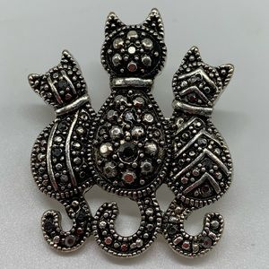 Kitty Cat Marcasite Silver Tone Brooch Sitting Pin